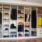 Внутреннее наполнение шкафа для одежды: штанги, вешалки, ящики, полки