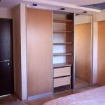 Как самостоятельно сделать встроенный шкаф купе в нише