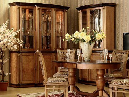 Деревянные шкафы в гостиной
