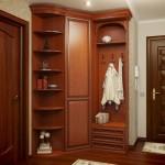 Угловой шкаф в прихожую: советы по выбору