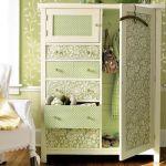 Как самостоятельно декорировать старый шкаф