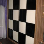 Как встроить шкаф купе в нишу, если стены кривые