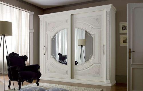 Выбираем шкаф в классическом стиле