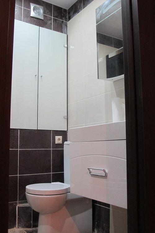 santexnicheskij_shkaf_v_tualet_07