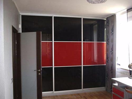 Выбираем шкаф черного цвета