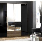 Шкаф черный глянец — яркий элемент интерьера комнаты