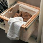 Какая корзина для белья в шкаф лучше: делаем выбор