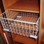Все про корзины для шкафов купе: виды и размеры